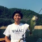 灼熱の日吉ダム釣行!表層から中層を探る真夏のバス釣り