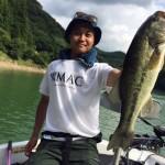 ビッグスプーン&スピナーベイトゲームで真夏のバス釣りを満喫!合川ダム月例釣行8月