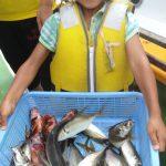 東京で食べられる魚を船で釣りに行く[アジ・タチウオ]
