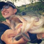 バス釣りパラダイス!? 春の淡路島野池でシャローカバー撃ちまくり!