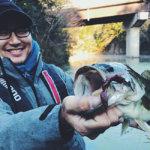 【冬の片倉ダム】低水温でもシャローカバーでモコリークローのテキサスに良型がキタ!