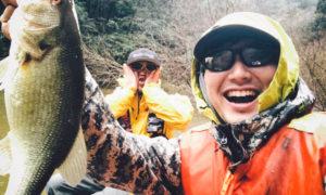 【松本幸雄さんとバス釣り】豪雨の三島ダムでインレットが不発!? そんな時の作戦は…
