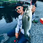 【バス管釣り】ボイル多発で大興奮!ストライパーも釣れる宮城アングラーズヴィレッジでバス釣りを学ぶ