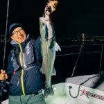 【苦戦】11月の東京湾ナイトボートシーバス、ヴァルナに助けられた3時間釣行!