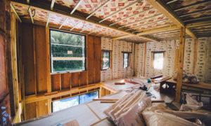 内装の工事が進む上棟から17日目の現場見学【BURITSUロッジ計画その8】